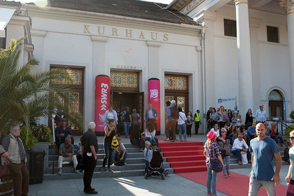 Pop in stilvollem Rahmen - Festivalbericht: Das waren die Highlights des SWR3 New Pop Festivals 2015 in Baden-Baden