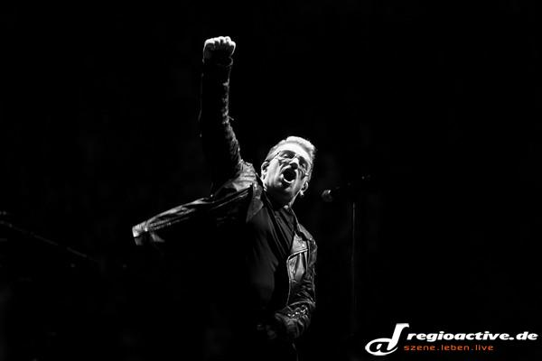 Multimedial - Fotos: U2 live in der Mercedes-Benz Arena in Berlin