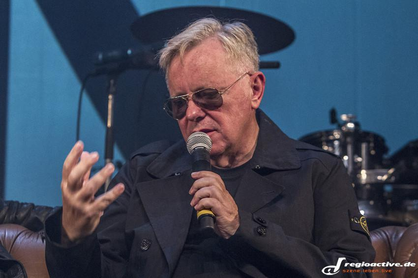New Order (live in Hamburg, 2015)